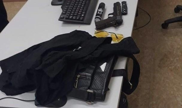 Vụ cướp hiệu vàng tại Sơn La: các đối tượng chuẩn bị tóc giả, mặt nạ và súng bắn điện Ảnh 3