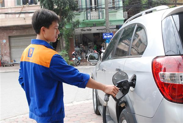 Quỹ bình ổn giá xăng dầu dư hơn 2.100 tỷ đồng Ảnh 1