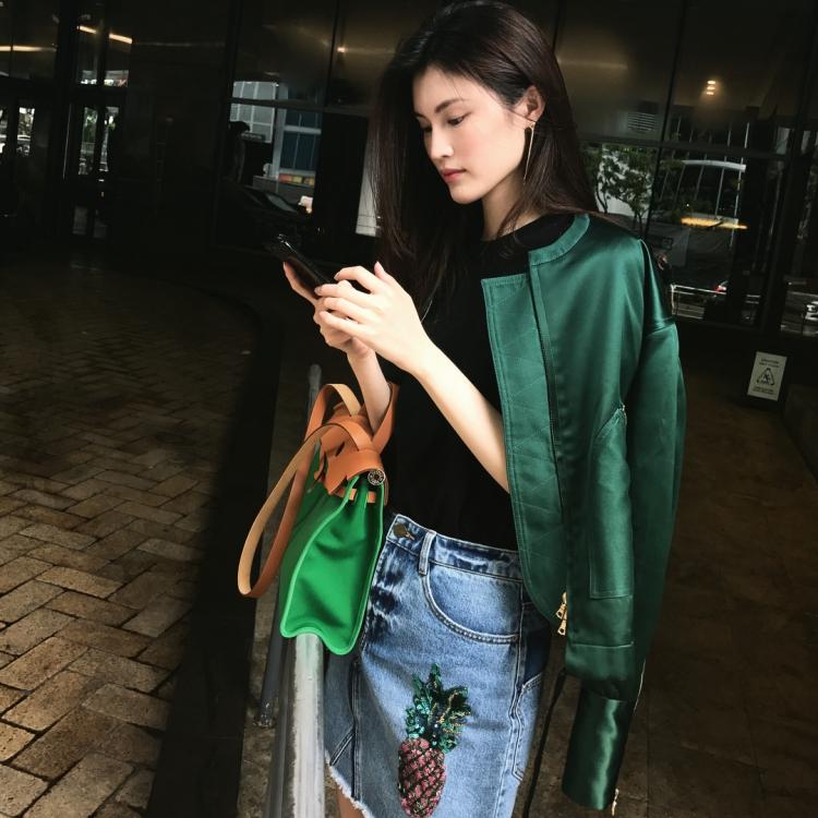 Mê mẩn style 'chất như nước cất' của 4 chân dài Châu Á hiếm hoi diễn show Victoria's Secret 2018 Ảnh 5