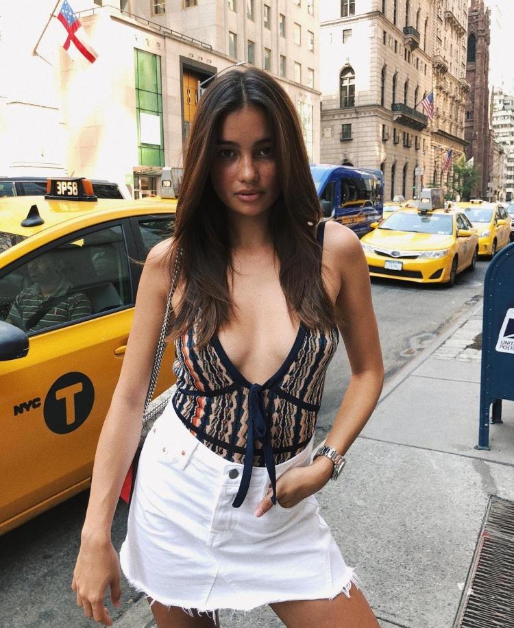 Mê mẩn style 'chất như nước cất' của 4 chân dài Châu Á hiếm hoi diễn show Victoria's Secret 2018 Ảnh 17