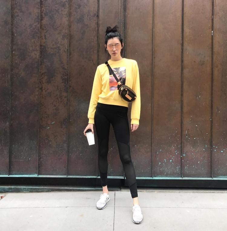 Mê mẩn style 'chất như nước cất' của 4 chân dài Châu Á hiếm hoi diễn show Victoria's Secret 2018 Ảnh 26