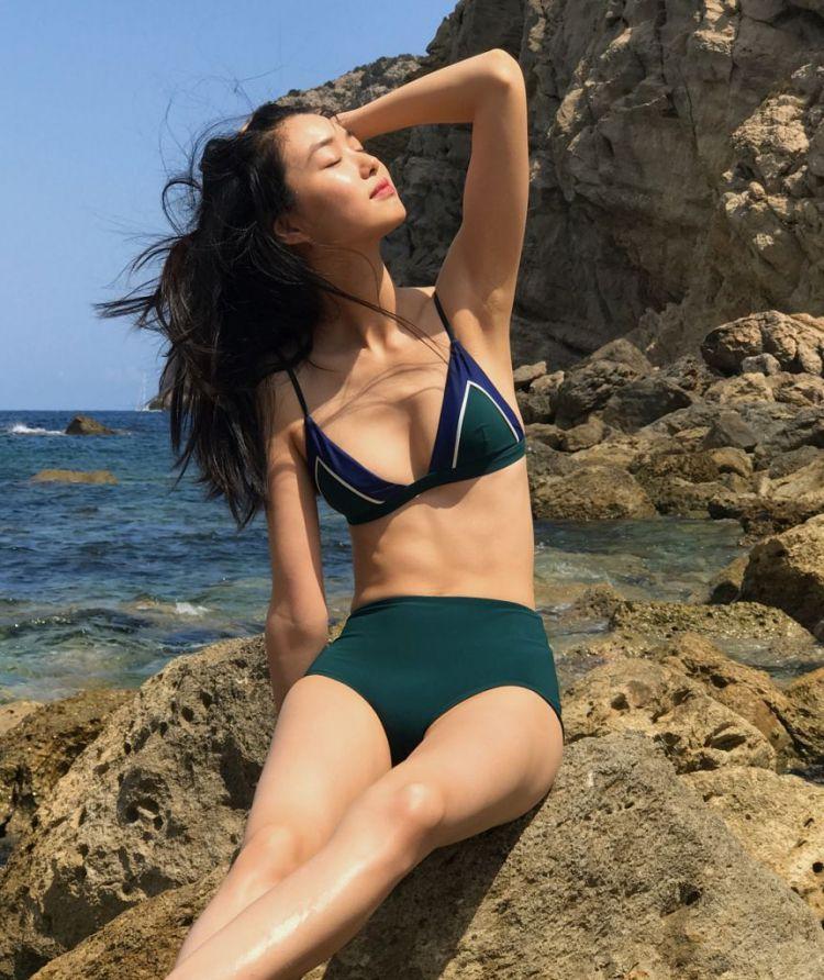 Mê mẩn style 'chất như nước cất' của 4 chân dài Châu Á hiếm hoi diễn show Victoria's Secret 2018 Ảnh 12