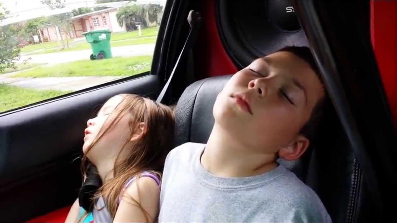 Tại sao ngủ trong xe ô tô đóng kín cửa lại tử vong? Ảnh 1