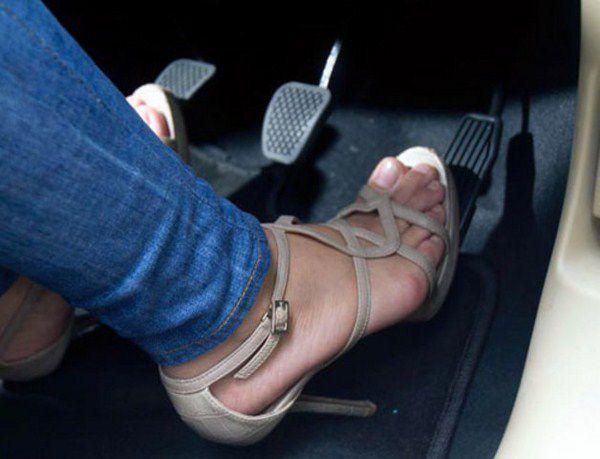 Vì sao phụ nữ lái xe thường dễ gây tai nạn? Ảnh 5