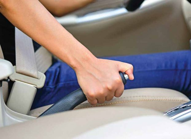 Vì sao phụ nữ lái xe thường dễ gây tai nạn? Ảnh 3