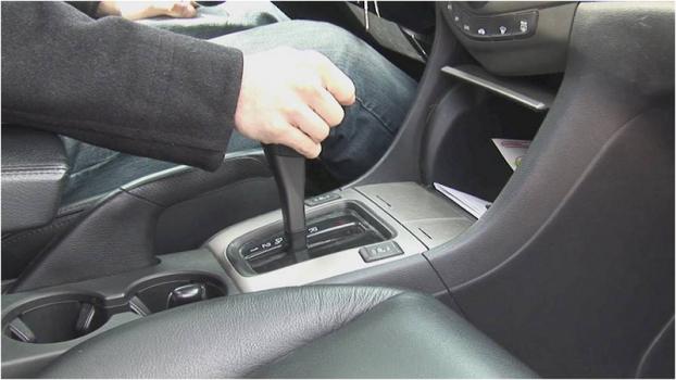 Vì sao phụ nữ lái xe thường dễ gây tai nạn? Ảnh 2