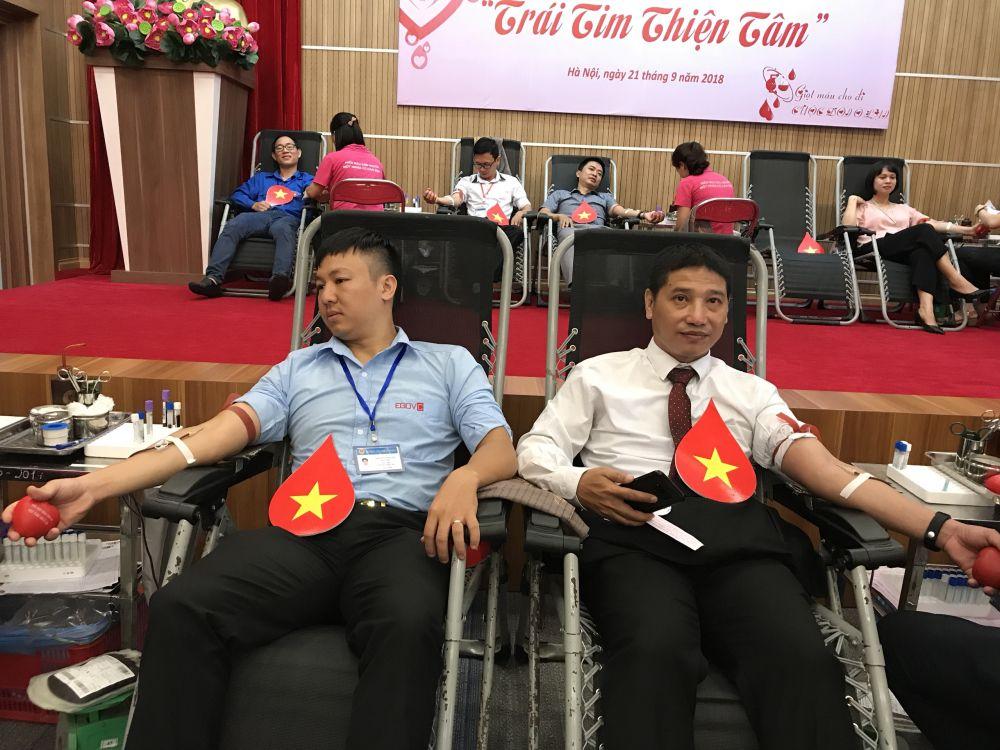 Ngày hội hiến máu của những người trẻ thiện tâm Ảnh 3