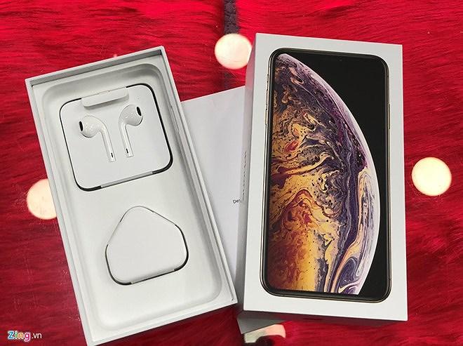 Nhiều người nhận 'trái đắng' khi vừa xếp hàng mua iPhone mới Ảnh 2