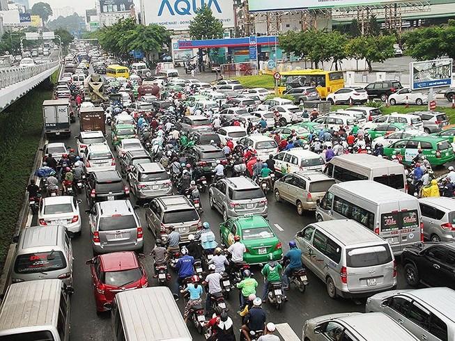 Mở nhiều đường kết nối sân bay Tân Sơn Nhất Ảnh 1