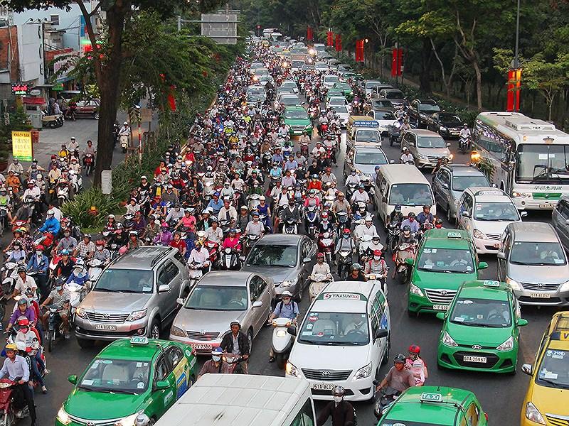 Mở nhiều đường kết nối sân bay Tân Sơn Nhất Ảnh 2