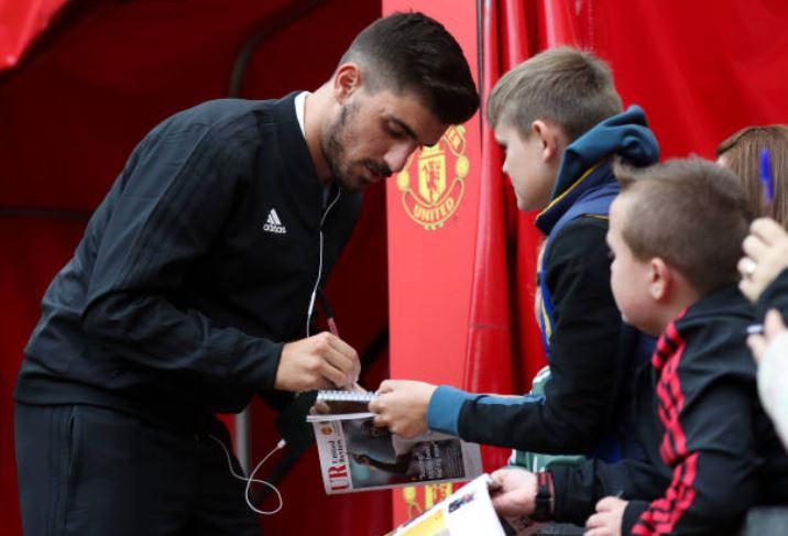 Man Utd vs Wolverhampton: Alexis Sanchez đá chính Ảnh 2