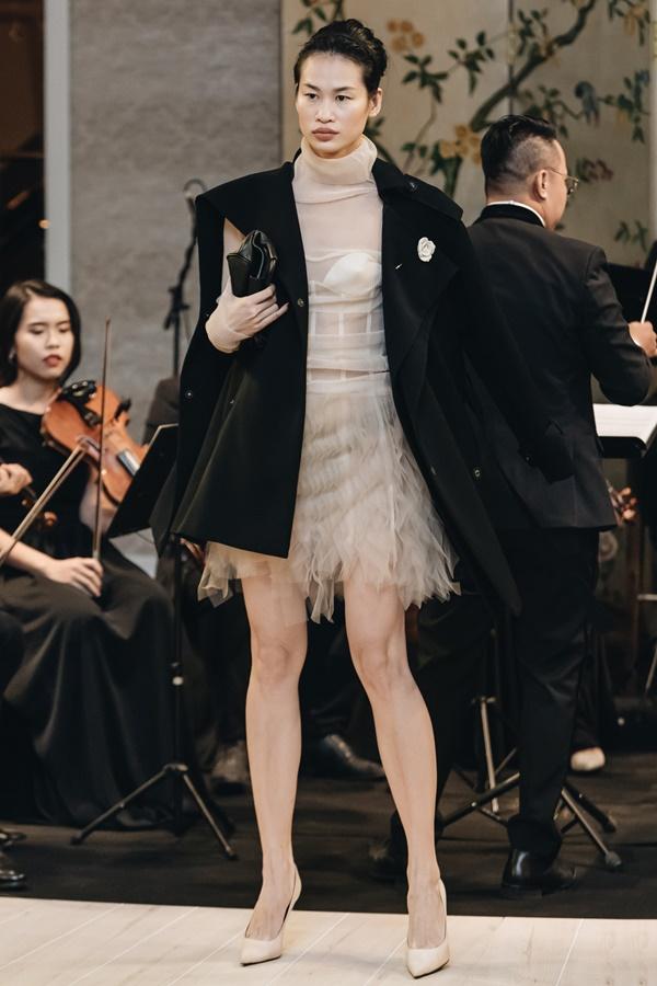 Lệ Hằng lâu lắm mới catwalk nhưng đã diễn thời trang là làm luôn vedette Ảnh 9