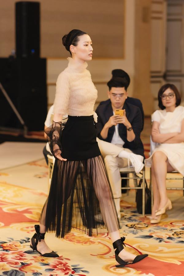 Lệ Hằng lâu lắm mới catwalk nhưng đã diễn thời trang là làm luôn vedette Ảnh 5