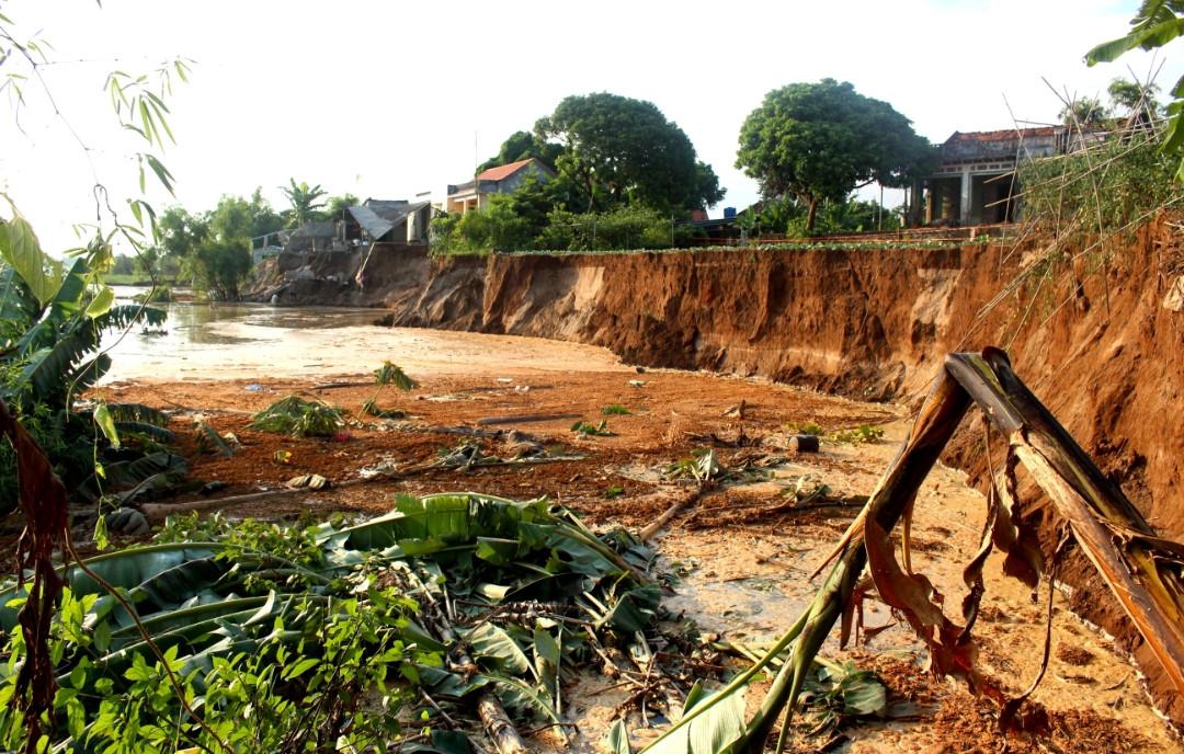Hải Dương Sạt lở nghiêm trọng ở xã Nhân Huệ, Thị xã Chí Linh Ảnh 1