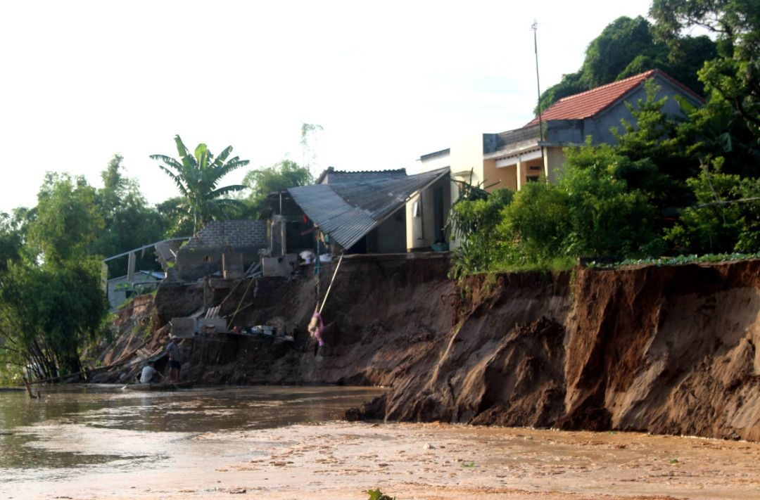 Hải Dương Sạt lở nghiêm trọng ở xã Nhân Huệ, Thị xã Chí Linh Ảnh 2