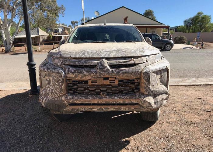 Lộ diện hình ảnh mới nhất về bán tải Mitsubishi Triton 2019 Ảnh 7