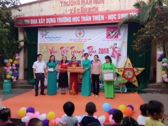 Tặng quà Tết Trung thu cho Làng trẻ em SOS Thanh Hóa Ảnh 2