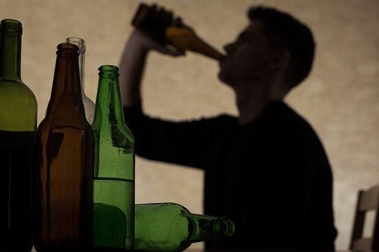 Bất ngờ với số người chết vì lạm dụng đồ uống có cồn Ảnh 1