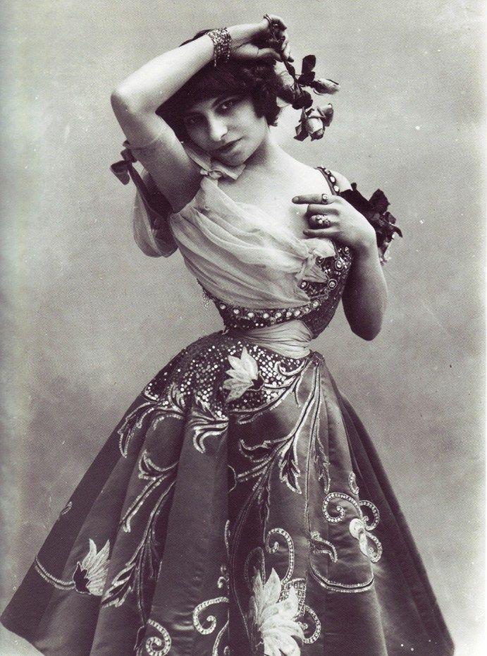 Lý do người đàn bà Pháp có eo nhỏ 40cm bị chê xấu nhất thế giới Ảnh 3