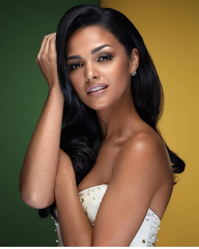 Cận cảnh vẻ đẹp tân Hoa hậu Hoàn vũ Puerto Rico Ảnh 10