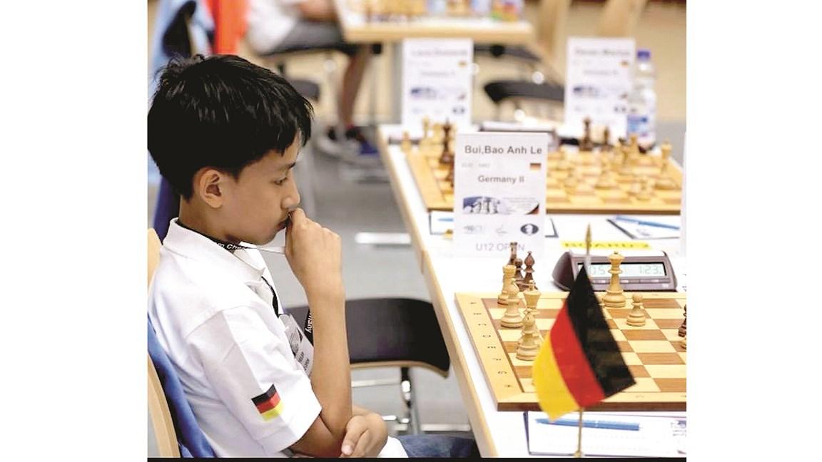 Đằng sau kỳ thủ cờ vua gốc Việt Ảnh 1
