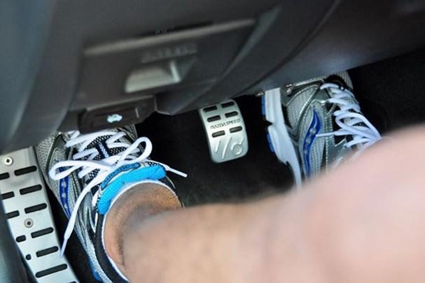 3 nguy cơ khi lười thay dầu phanh ô tô Ảnh 1