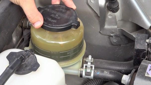 3 nguy cơ khi lười thay dầu phanh ô tô Ảnh 2