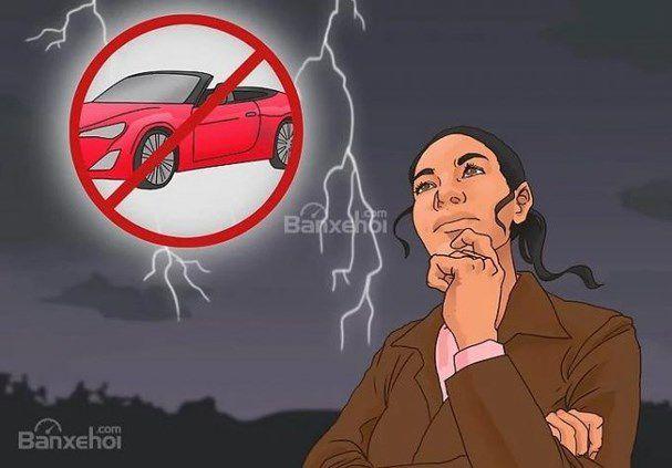 Tổng hợp mẹo lái xe an toàn trong thời tiết mưa giông sấm sét Ảnh 1