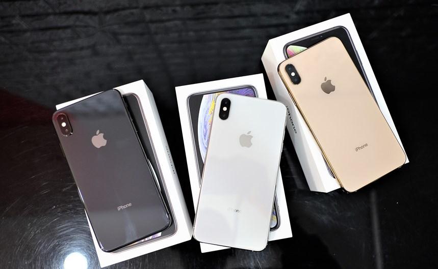 Trên tay 3 phiên bản iPhone XS Max xám, bạc và vàng hồng Ảnh 1