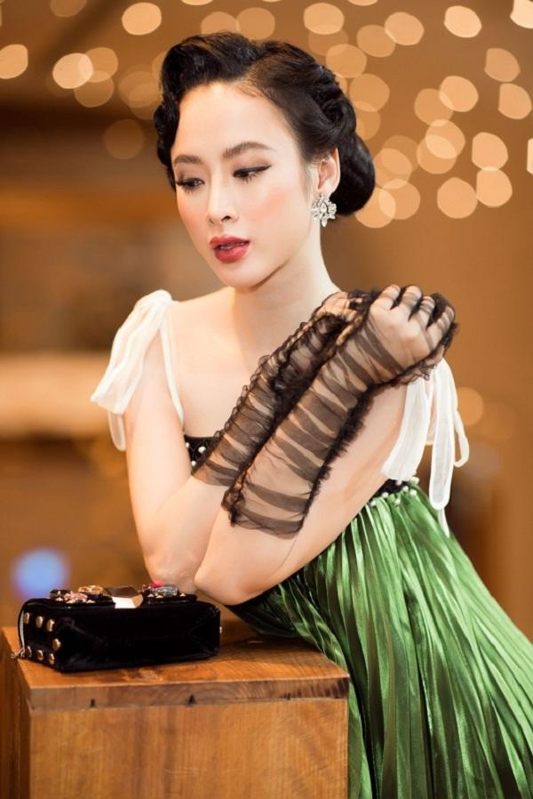 Học cách đeo găng tay sang chảnh đẹp như Lý Nhã Kỳ - Angela Phương Trinh Ảnh 15