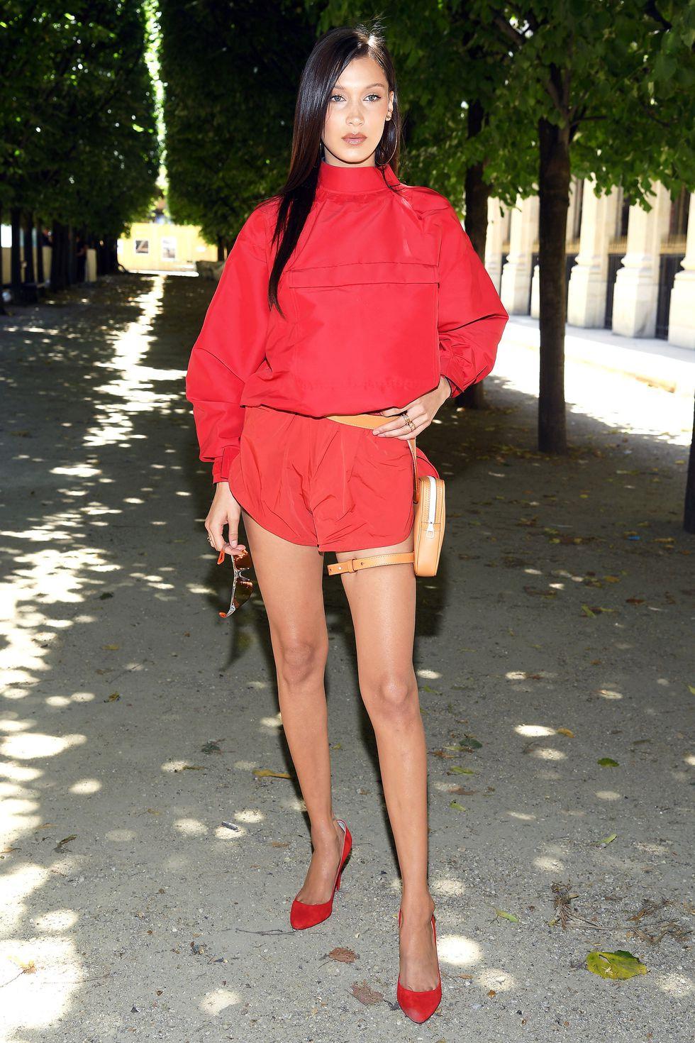 10 trang phục street style đơn giản nhưng đẹp mắt của Bella Hadid Ảnh 5