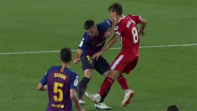 Messi càu nhàu trong phòng thay đồ vì trọng tài đuổi đồng đội Ảnh 1