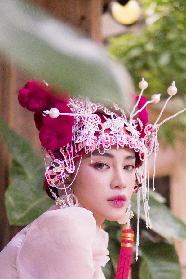 Thiên Nga The Face khiến fan thích thú khi hóa cô dâu Châu Á trước thềm Trung Thu Ảnh 5