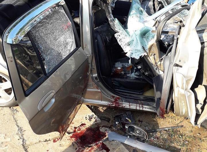 Ôtô con đâm xe tải đang đỗ, 1 người chết, 3 người trọng thương Ảnh 1