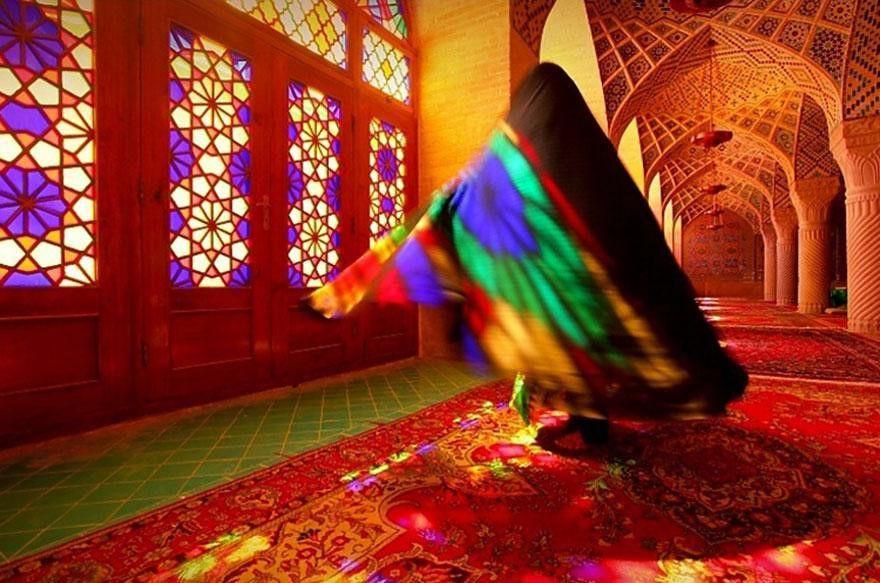 Nhà thờ Hồi giáo rực rỡ nhất thế giới có gì đặc biệt? Ảnh 3