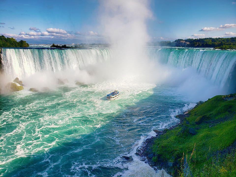Thác Niagara khác lạ nhìn từ hai phía Mỹ và Canada Ảnh 2