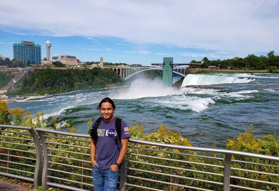 Thác Niagara khác lạ nhìn từ hai phía Mỹ và Canada Ảnh 16