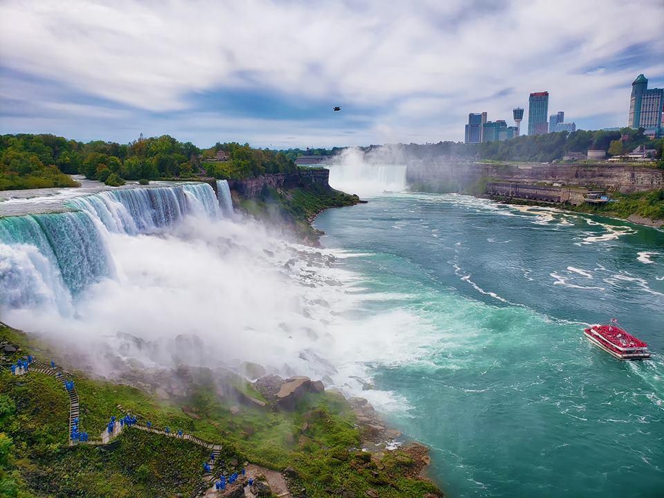 Thác Niagara khác lạ nhìn từ hai phía Mỹ và Canada Ảnh 1