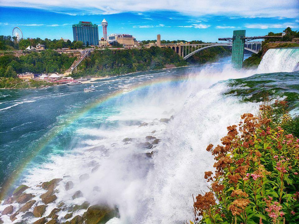 Thác Niagara khác lạ nhìn từ hai phía Mỹ và Canada Ảnh 4