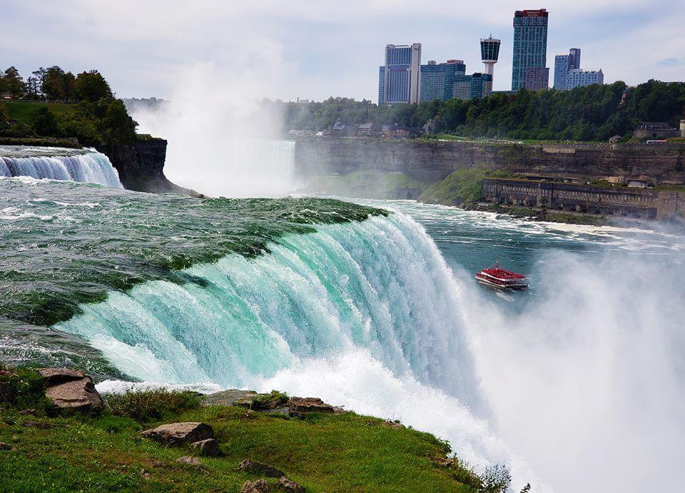 Thác Niagara khác lạ nhìn từ hai phía Mỹ và Canada Ảnh 6