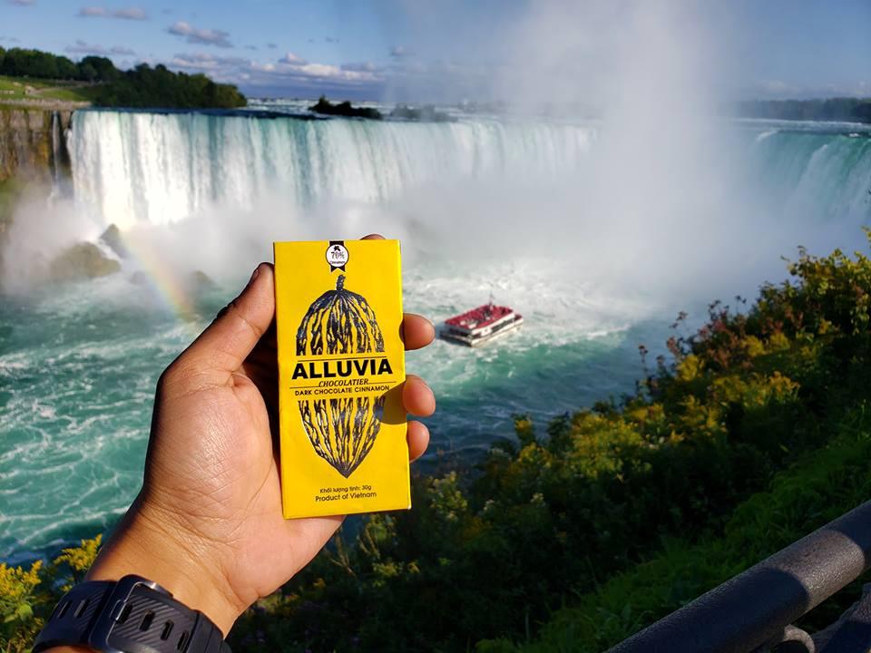 Thác Niagara khác lạ nhìn từ hai phía Mỹ và Canada Ảnh 17