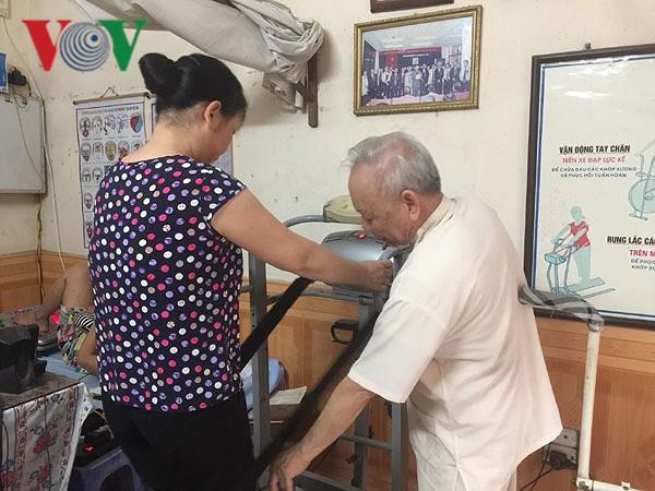Phòng khám của 'ông tiên' mang niềm vui đến cho bệnh nhân nghèo Ảnh 4