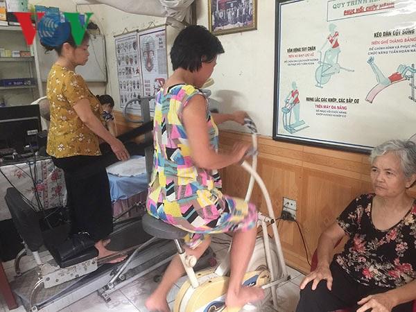 Phòng khám của 'ông tiên' mang niềm vui đến cho bệnh nhân nghèo Ảnh 1