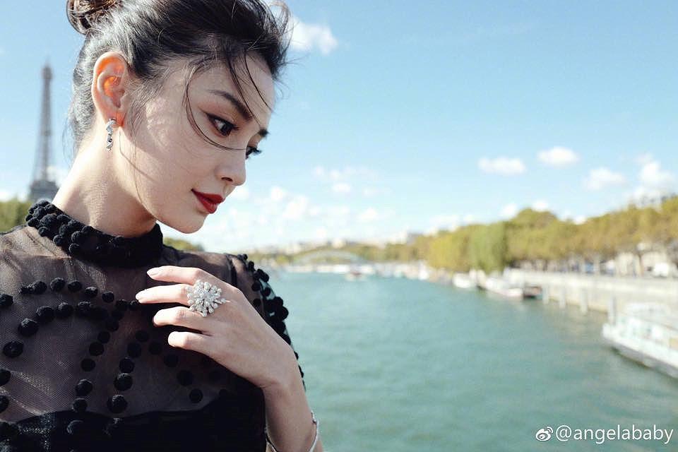 Angelababy đẹp tựa nữ thần giữa kinh đô thời trang Paris Ảnh 15