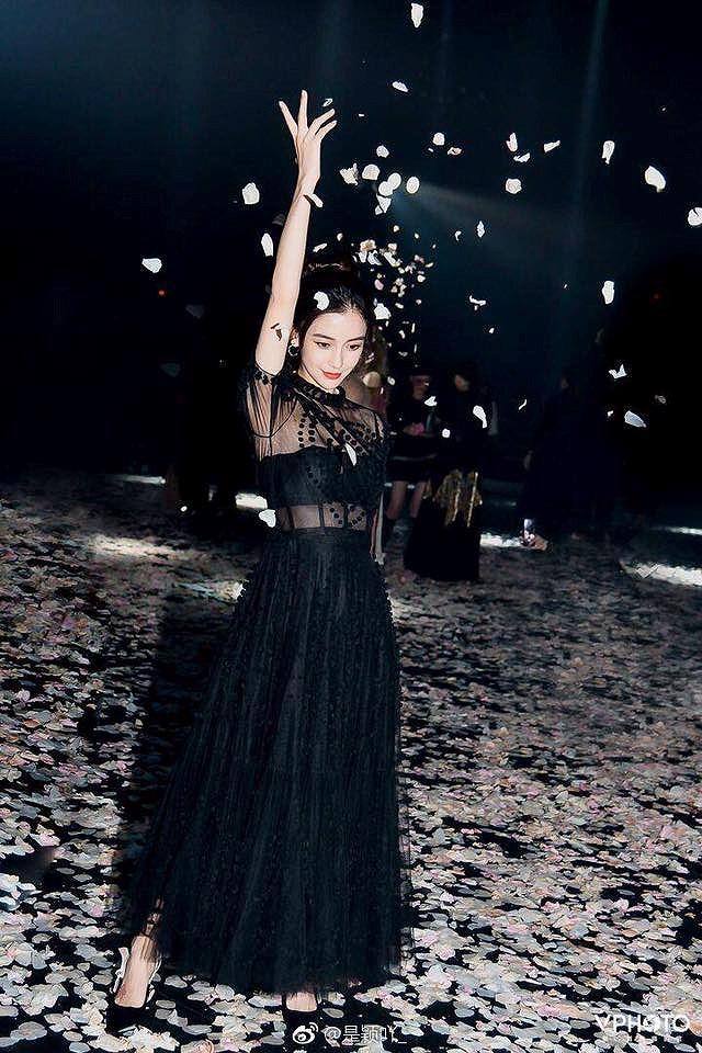 Angelababy đẹp tựa nữ thần giữa kinh đô thời trang Paris Ảnh 11