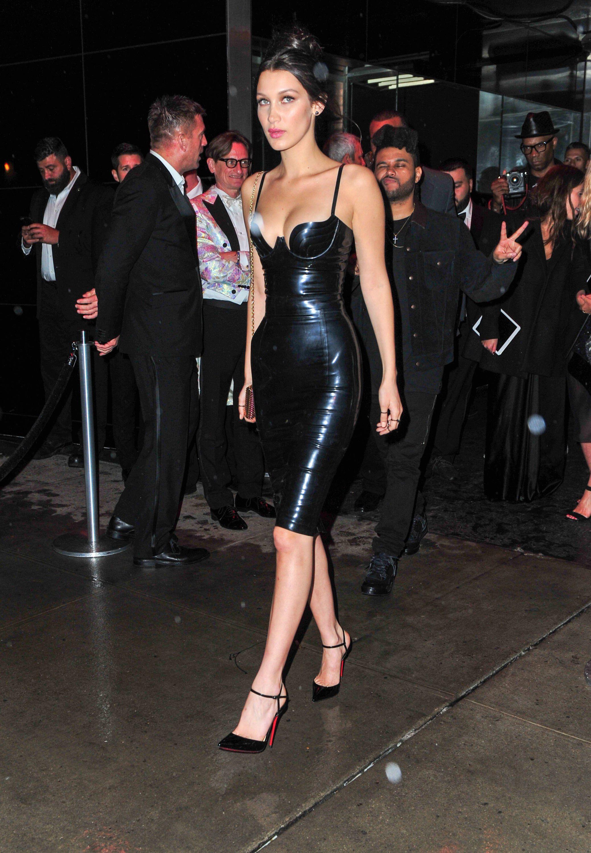 Người đẹp Hollywood chuộng váy cao su bó sát giống Kylie Jenner Ảnh 4