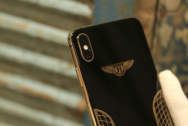 Ngắm iPhone XS Max mạ vàng 18k đầu tiên ở Việt Nam Ảnh 6
