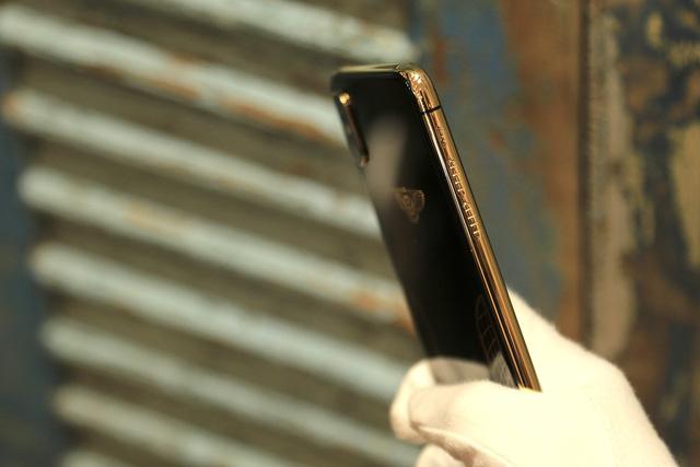 Ngắm iPhone XS Max mạ vàng 18k đầu tiên ở Việt Nam Ảnh 7