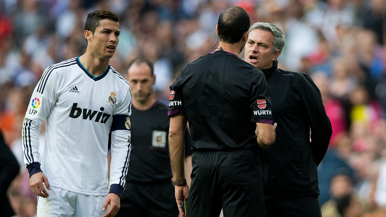 Pogba và những cầu thủ công khai đối đầu với HLV Mourinho Ảnh 8