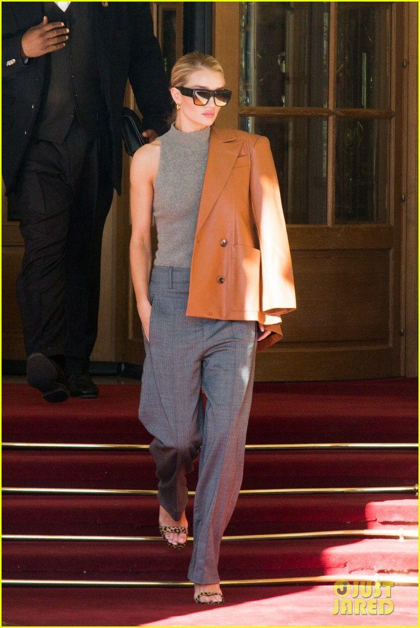 Kendall Jenner mặc kín đáo ở Paris Fashion Week 2018 Ảnh 8